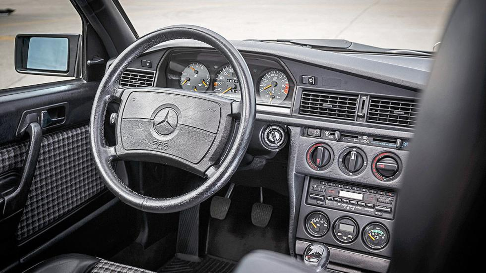 Mercedes 190 E 2.5-16 Evolution II  relojes interior