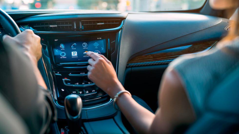 Cadillac ELR 2016 navegacion
