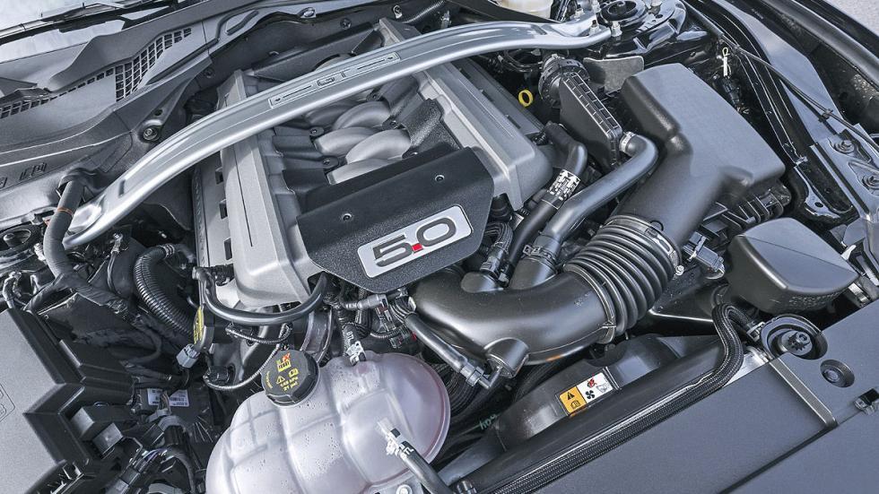 Ford Mustang GT motor