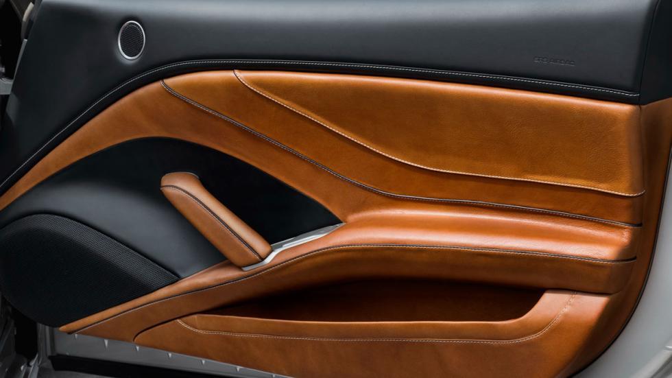 Ferrari California T Tailor Made puerta