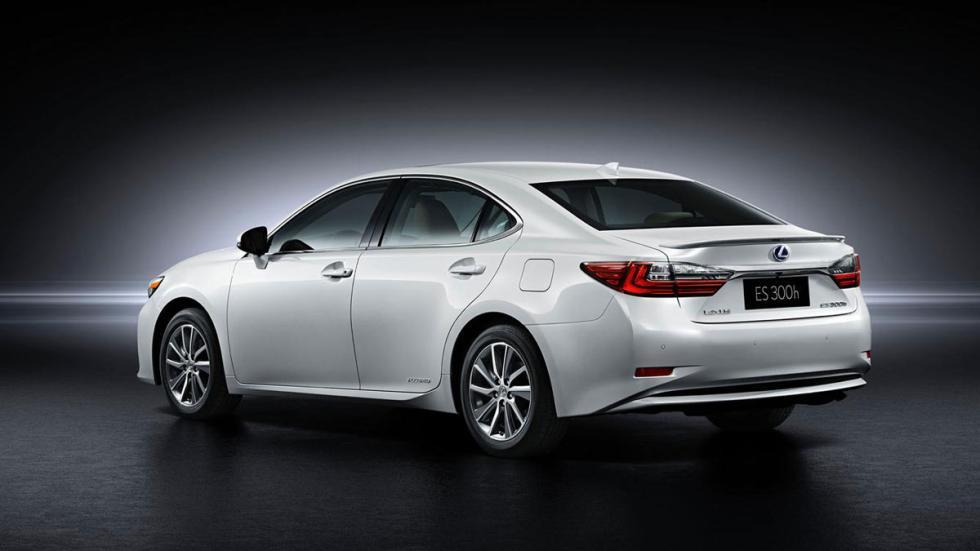 Lexus ES 2015 trasera