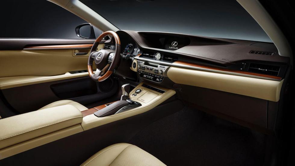 Lexus ES 2015 interior