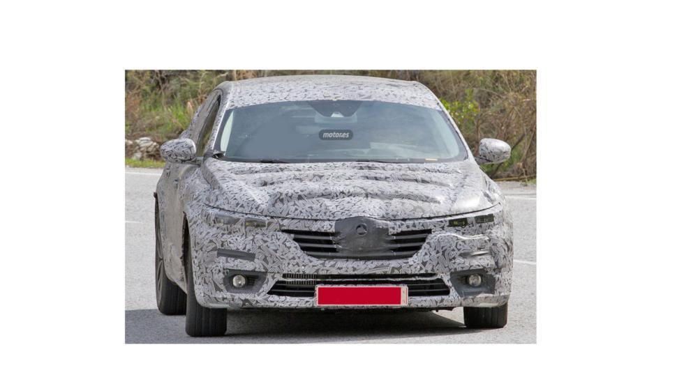 Renault Laguna híbrido 2016 frontal