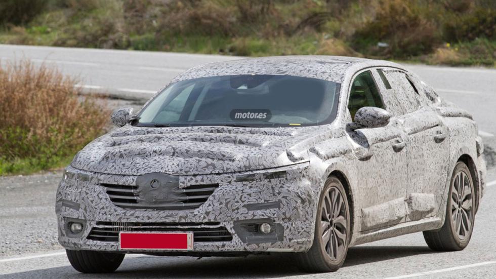 Renault Laguna híbrido 2016 tres cuartos delantero 5