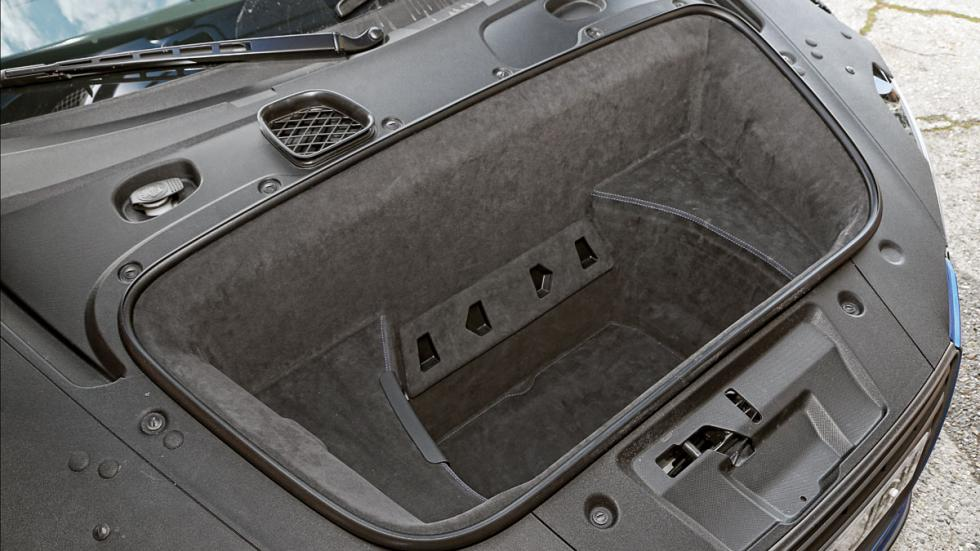 Audi R8 LMX maletero