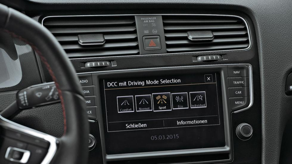 VW Golf GTI pantalla