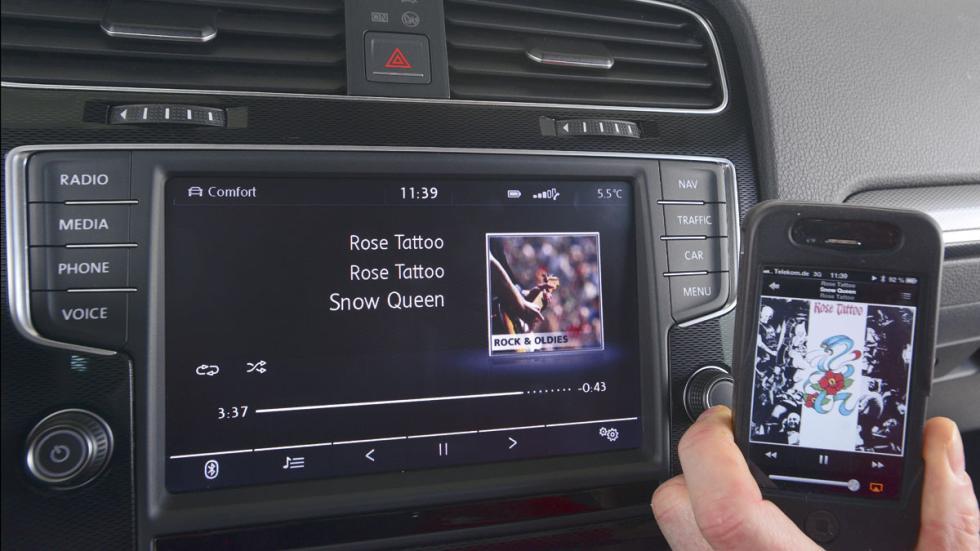 VW Golf GTI conectividad
