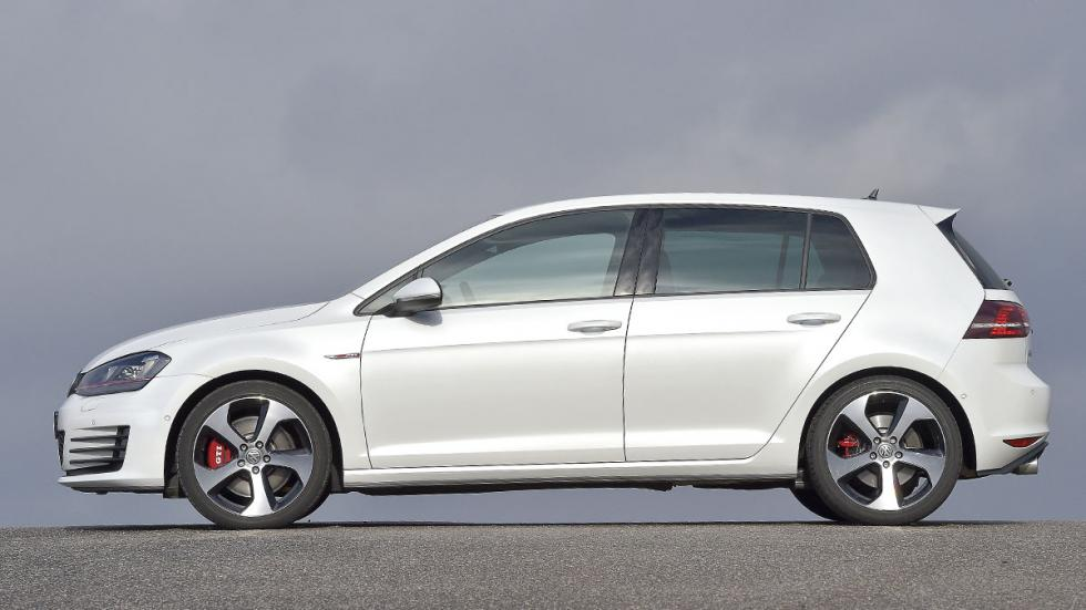 VW Golf GTI lateral