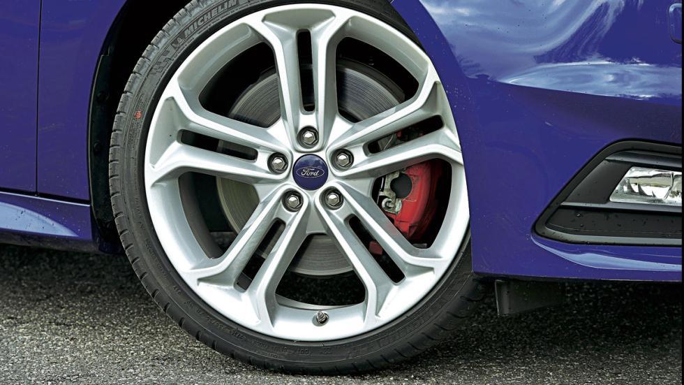 Ford Focus ST rueda