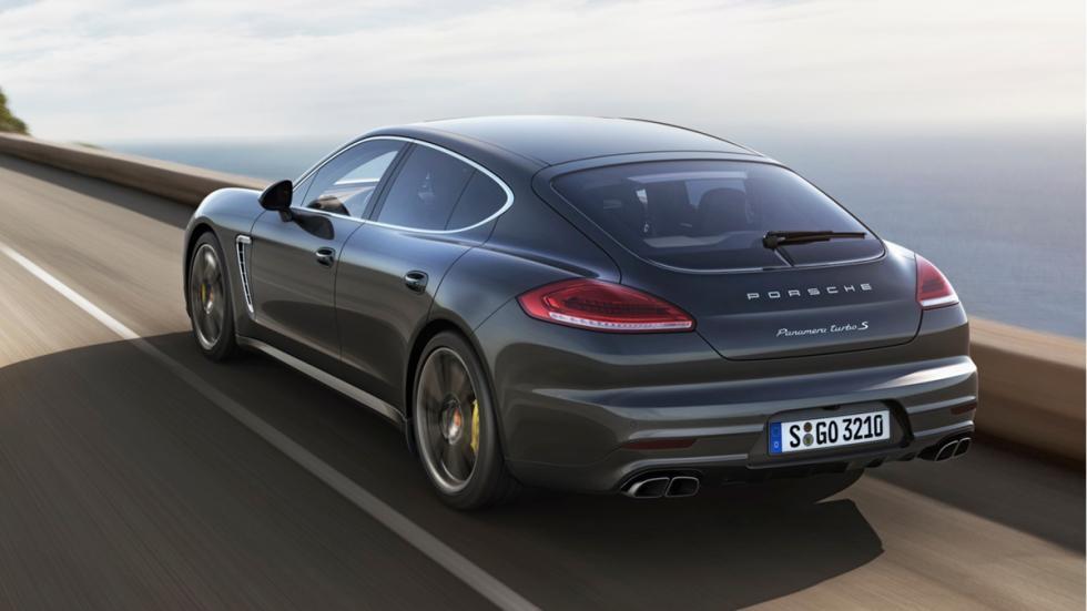 berlinas-mas-rapido-aceleran-Porsche-Panamera-Turbo-S-zaga