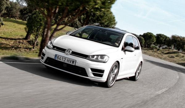 VW Golf R frontal