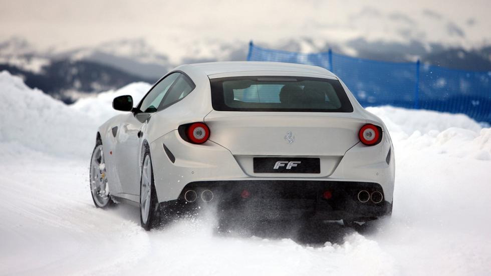 coches-gastan-mas-15-litros-Ferrari-FF-zaga