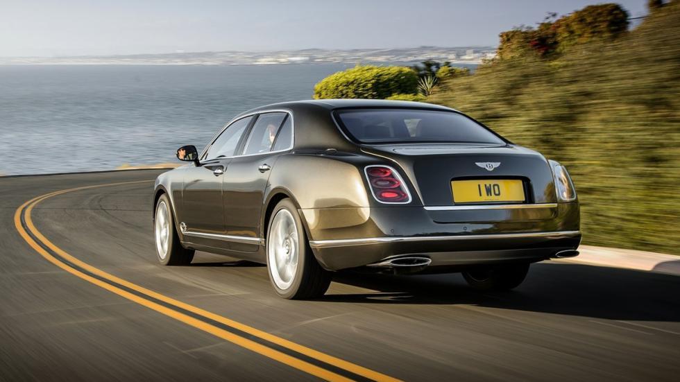 coches-gastan-mas-15-litros-Bentley-Mulsanne-zaga