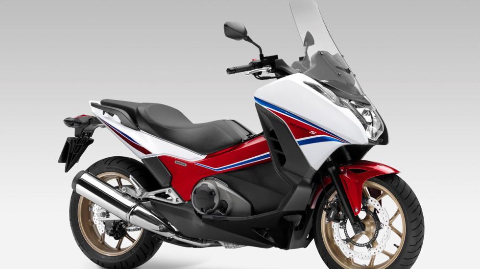 La Integra también figura entre las Honda promocionadas en mayo