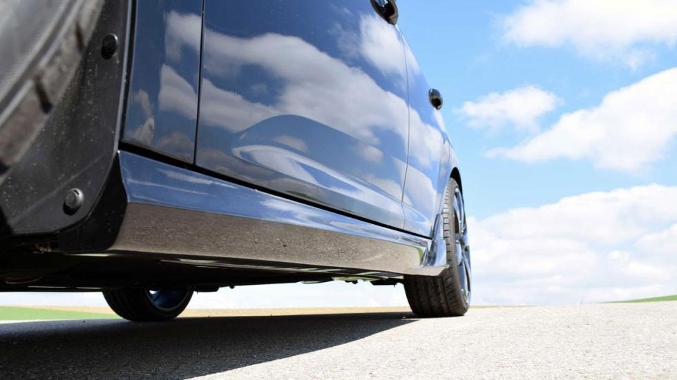Ford Focus Loder1899 faldón lateral
