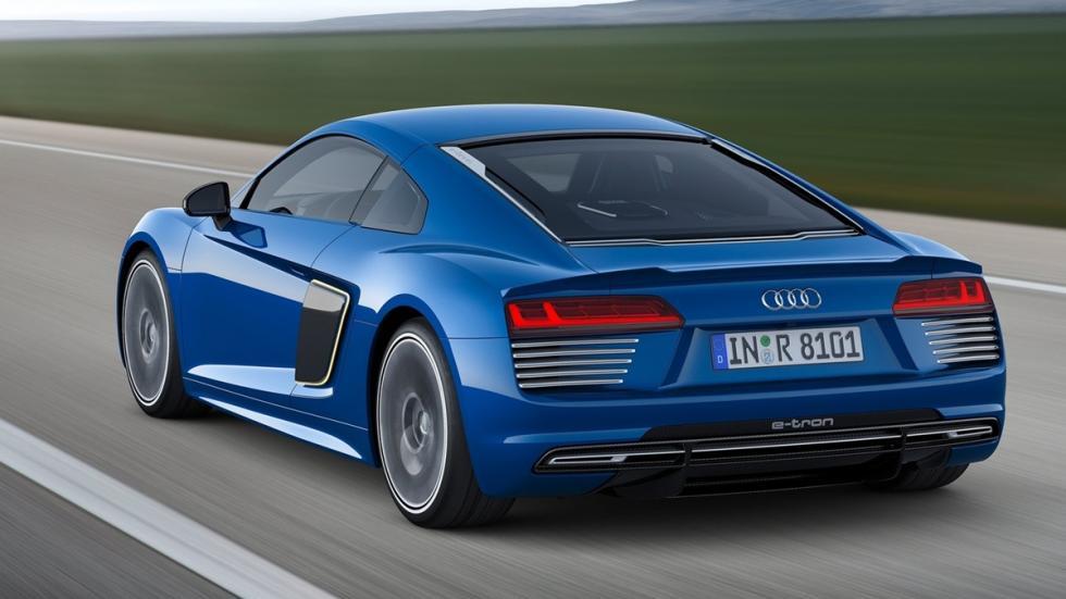 Audi_R8_e-tron_2015_trasera