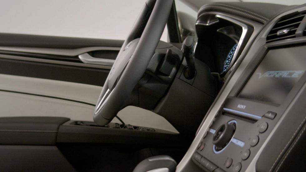 Ford Mondeo Vignale interior