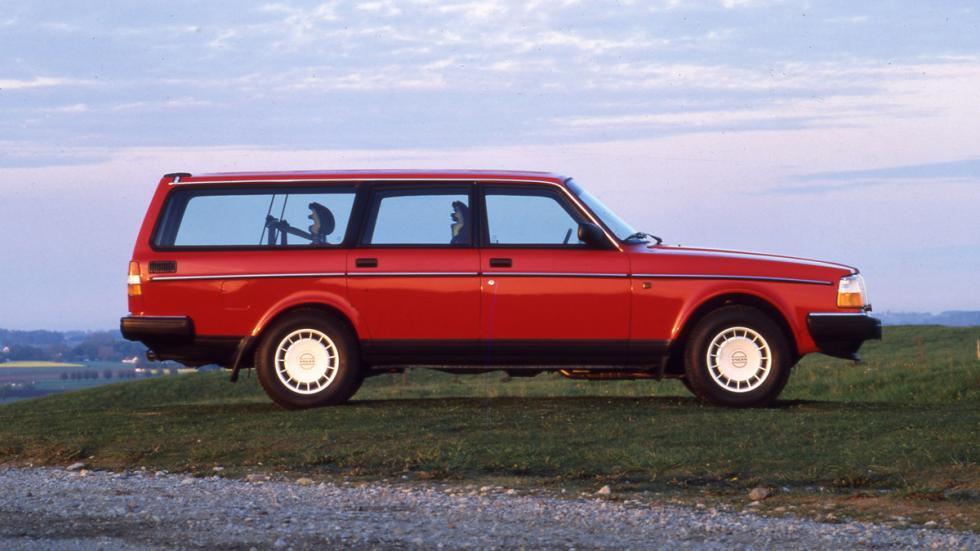 coches-mas-representan-pais-origen-Volvo-240-sw-lateral