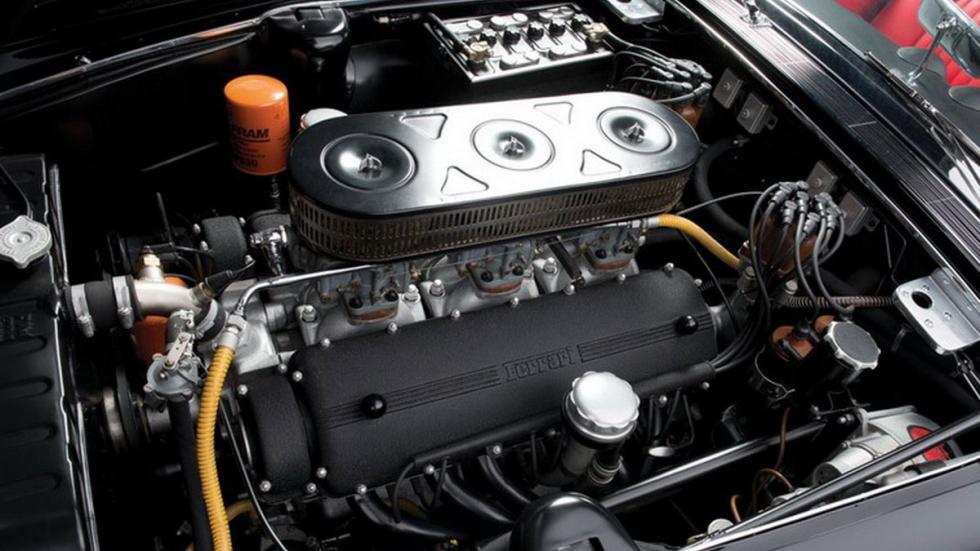 Ferrari 400 Superamerica SWB Cabriolet motor