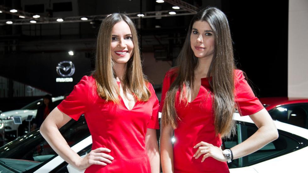 Chicas salón de Barcelona 2015 jaguar