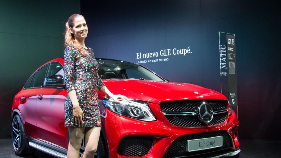 Chicas salón de Barcelona 2015 mercedes