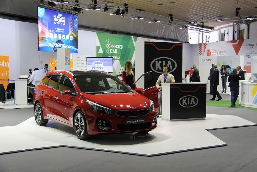 Zona de coche conectado en el Salón del Automóvil de Barcelona 2015
