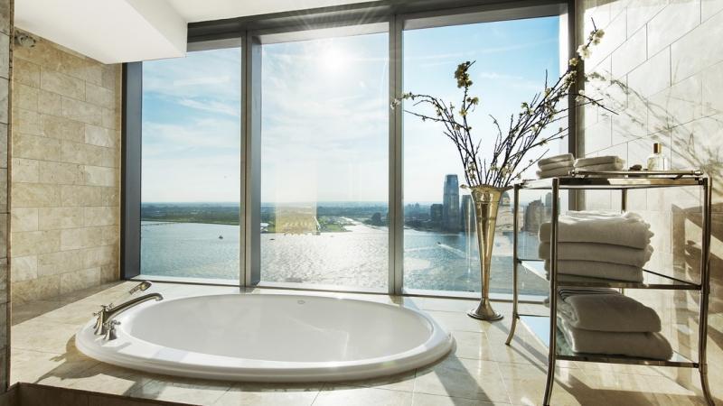 Vistas desde el baño del piso más caro del mundo
