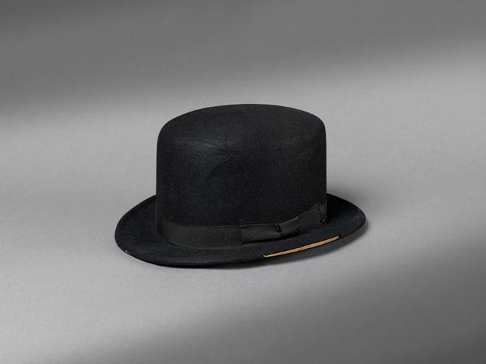 Sombrero letal de Oddjob de Goldfinger en 007