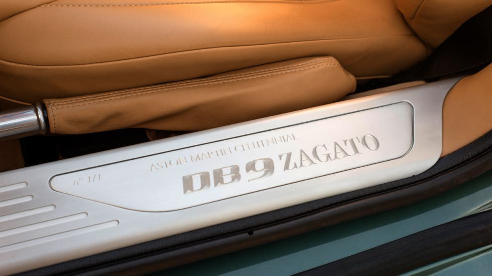 Aston Martin DB9 Spyder Zagato placa