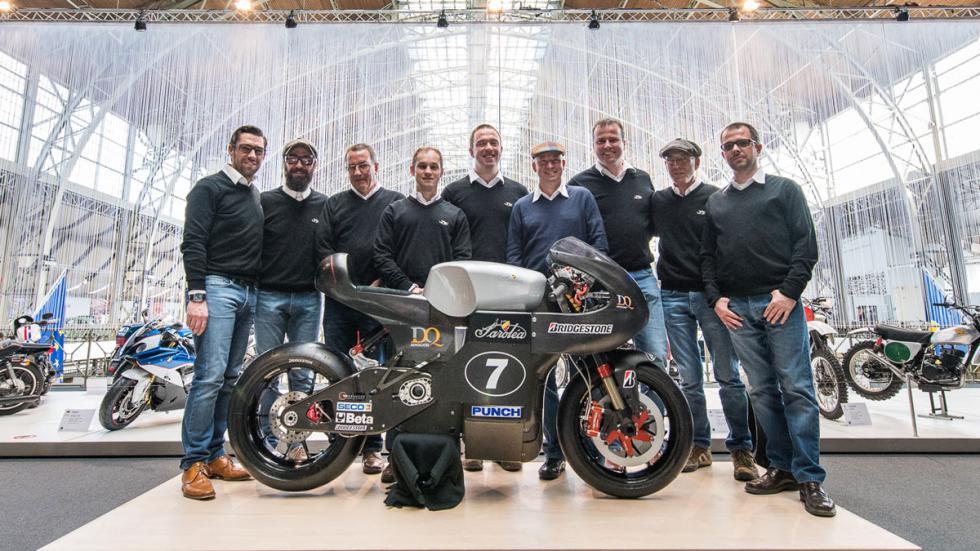 Foto de familia del equipo Bridgestone-Sareléa