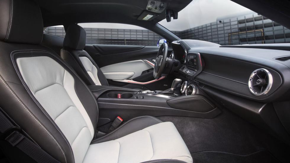 Chevrolet Camaro 2016 asientos