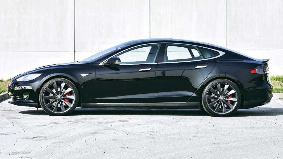 Tesla Model S P85D lateral