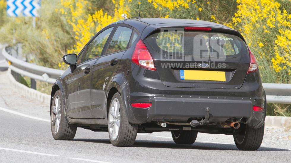 Mula nuevo Ford Fiesta trasera