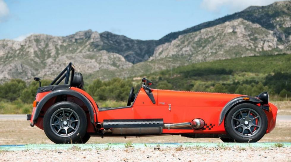Caterham Seven lateral