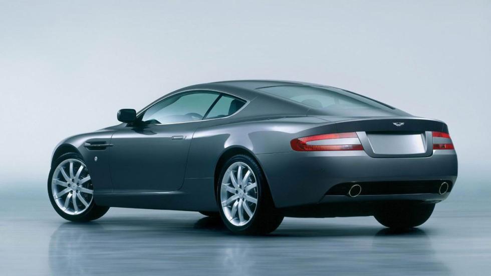 Aston Martin DB9 trasera