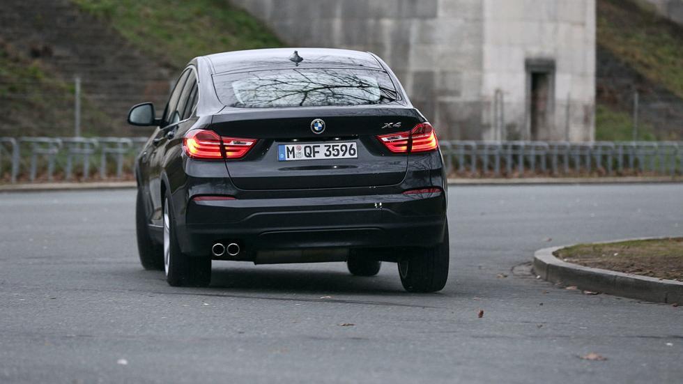 BMW X4 xDrive35i zaga