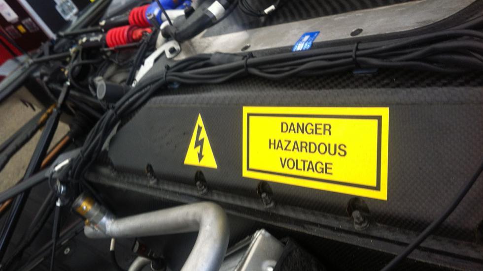 coche-Fórmula-E-alto-voltaje