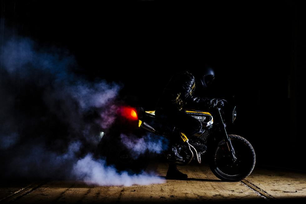 ducati-scrambler-sc-rumble-burnout