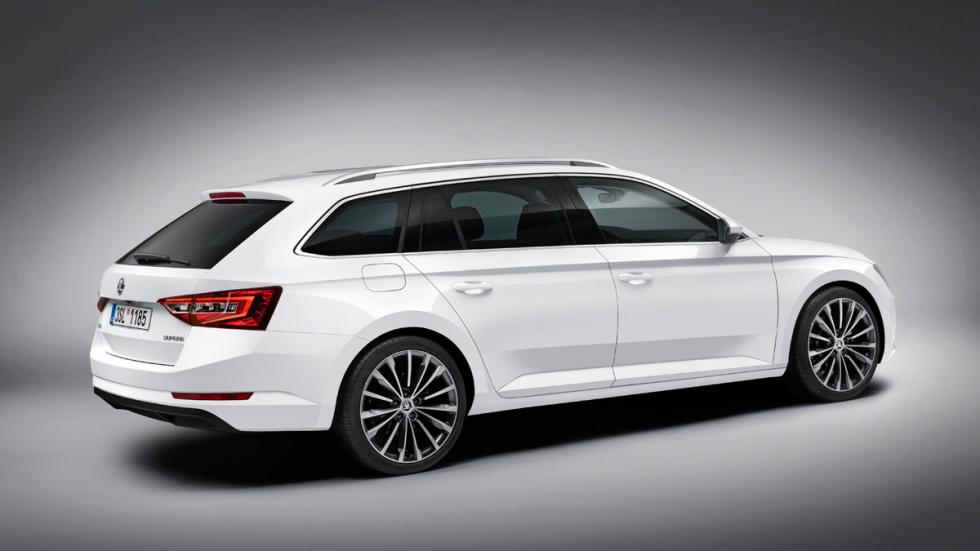 Skoda Superb Combi 2015 lateral