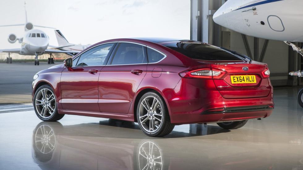 mejores-coches-fabrican-espana-Ford-Mondeo-zaga