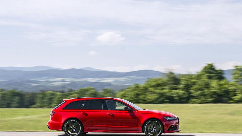 Prueba por el carril izquierdo: nuevo Audi RS 6 Avant lateral