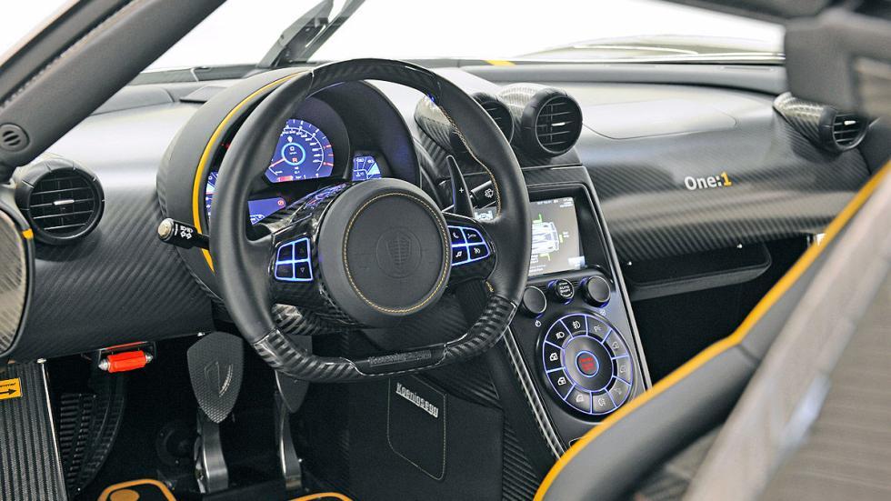 Koenigsegg One 1 interior volante