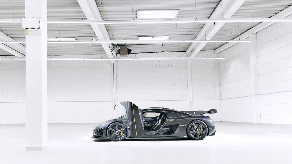 Koenigsegg One 1 lateral