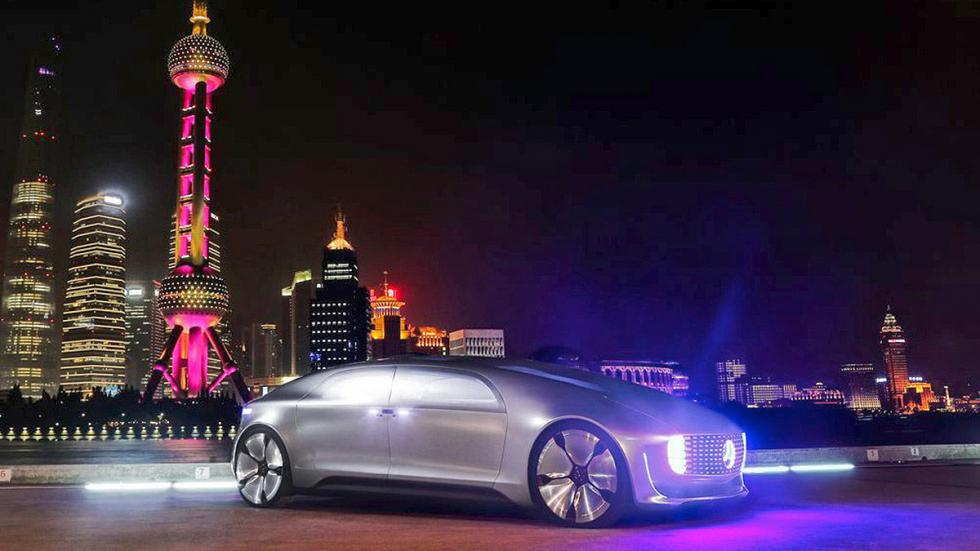 CES Asia 2015 en Golf Mercedes autónomo ciudad