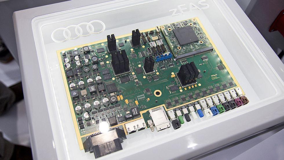 CES Asia 2015 Audi dentro chips