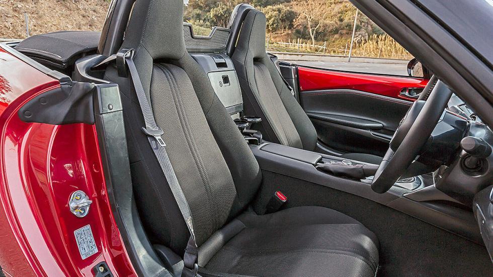 Nuevo Mazda MX-5 asientos