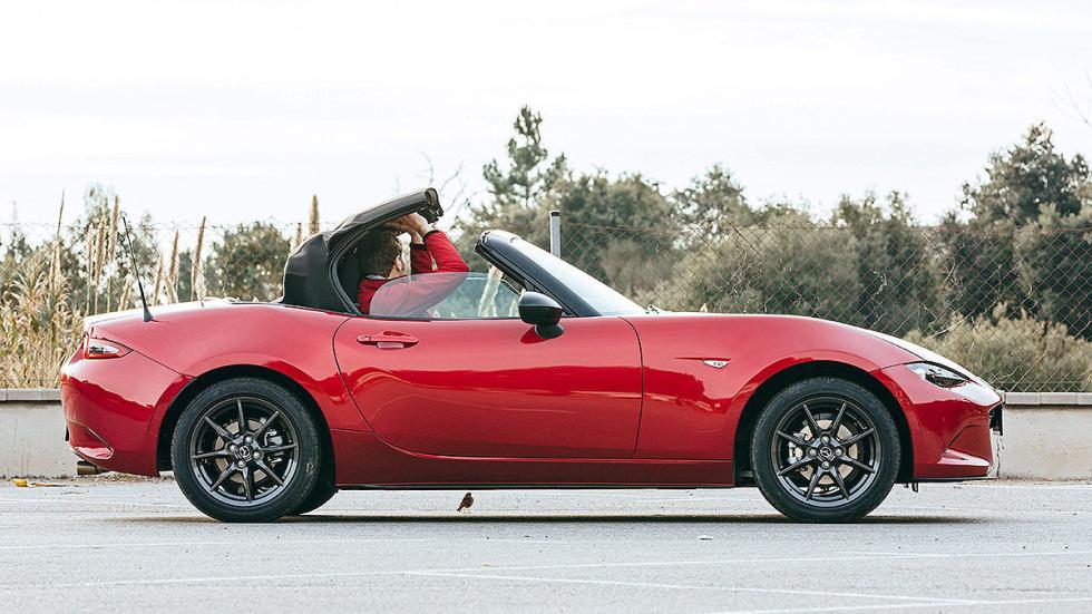 Nuevo Mazda MX-5 cerrar capota