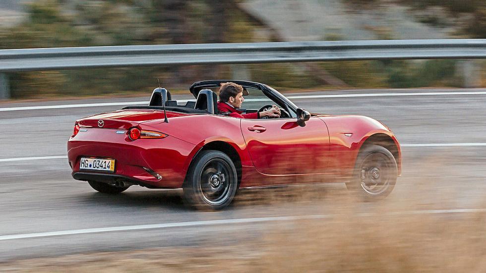 Nuevo Mazda MX-5 dinámica zaga