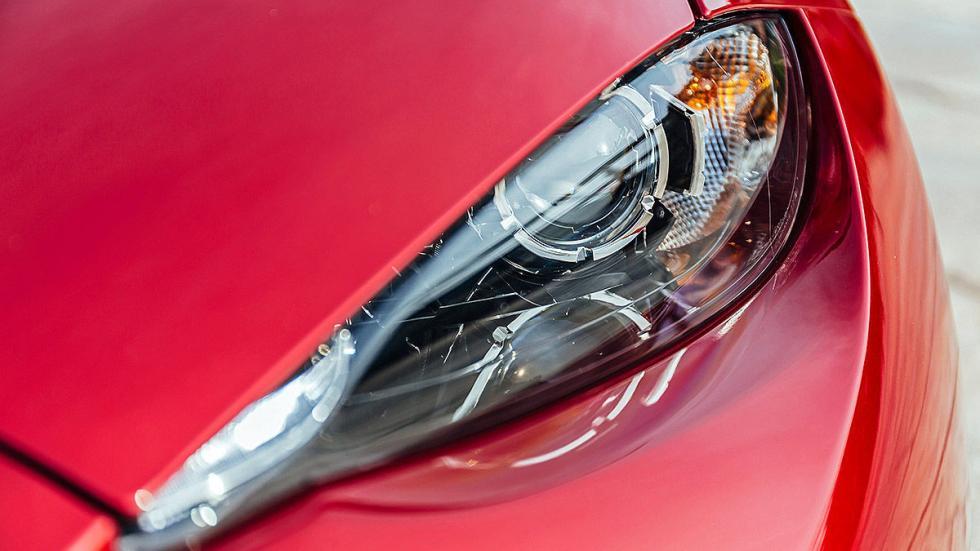 Nuevo Mazda MX-5 faro
