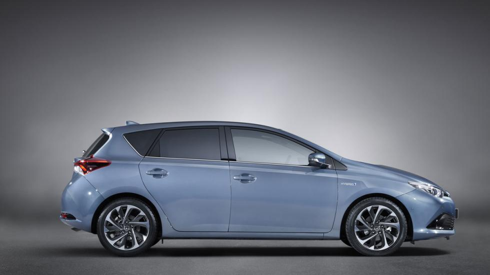 Toyota Auris 2015 lateral